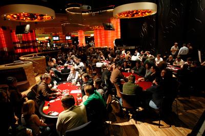 Poker in Rocks Lounge